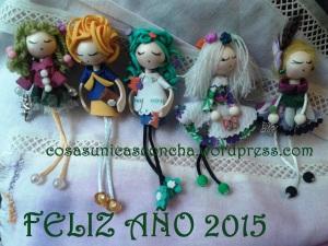 Broches de muñecas de goma eva y de tela