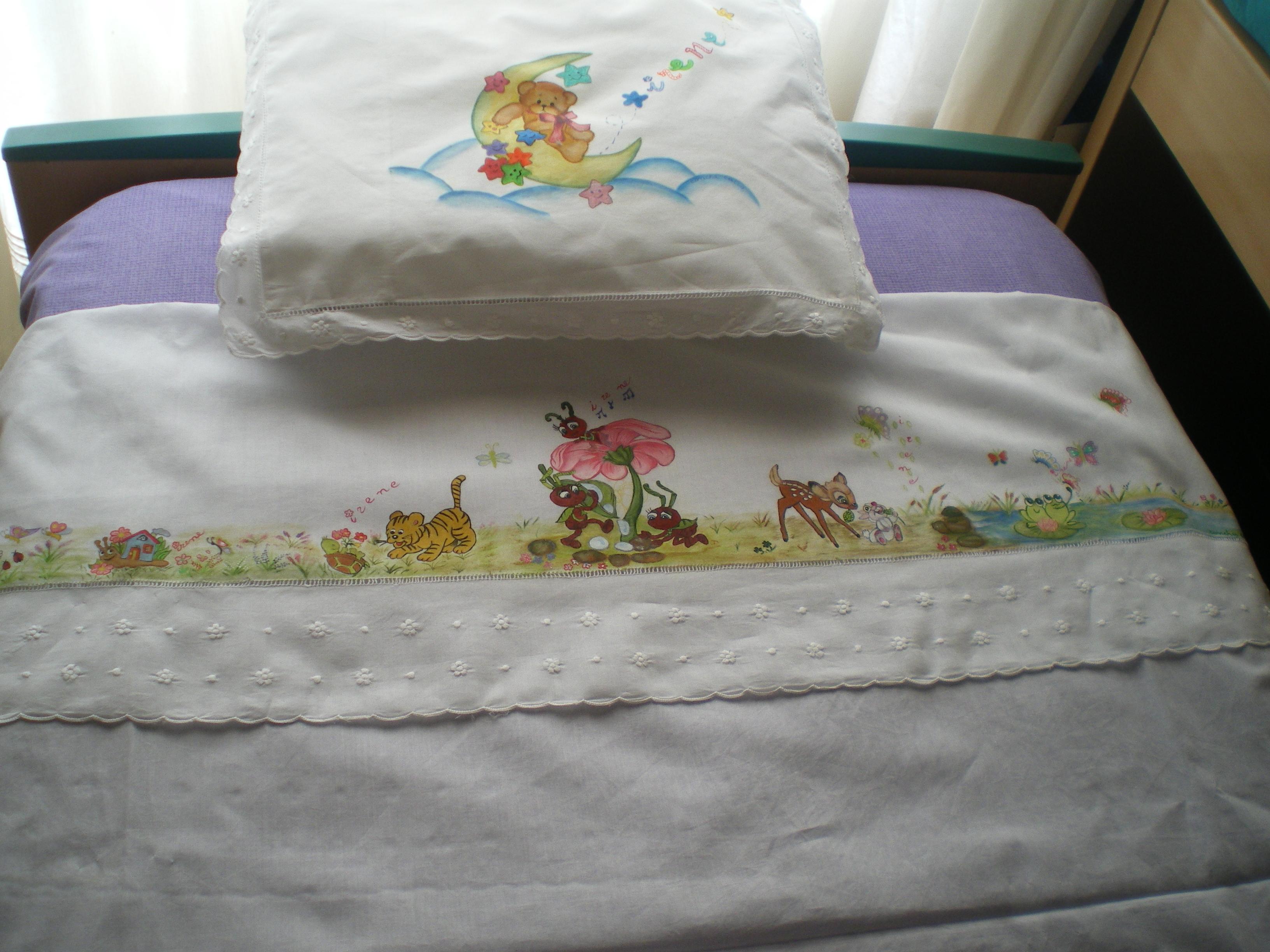 Pintura en tela sabanas de bebe infantiles on pinterest pintura manualidades and carmen - Telas para colchas infantiles ...
