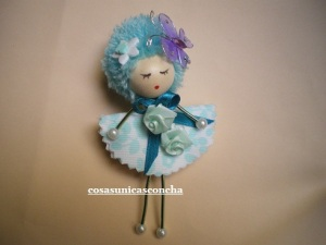 muñeca aluminio con mariposa