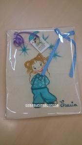 Re. 005 Cojin con niña pijama azul