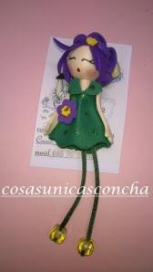 Broche de muñequita verde