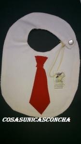 Re. 022 babero con corbata