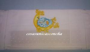 Re. 045 Detalle del almohadón de la sabana para la minicuna