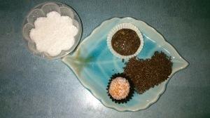 Parte de ingradientes de las bolitas de avellana y de zanahoria