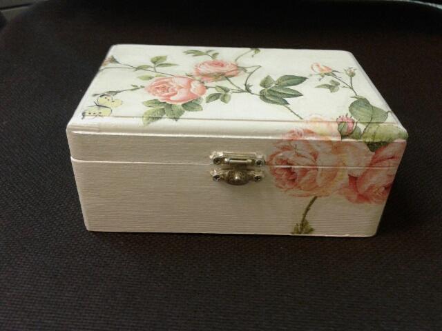 Cajas de madera decoradas con servilletas infantiles imagui - Cajas de madera decoradas ...