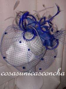 Re. 065 Tocado azul cobalto y base de rejilla de plata