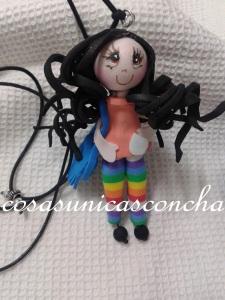 Colgante de mini muñeca personalizado