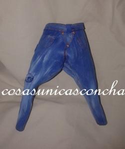 R. 198 pantalón vaquero cagado en goma eva. Parte de atrás.