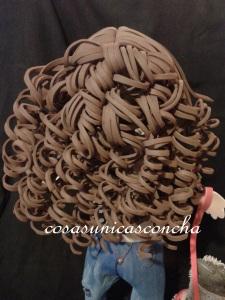 R. 193 Peinado de pelo rizado de fofucha