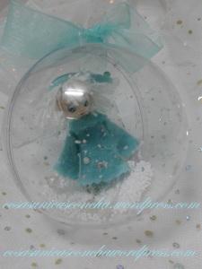 Bola de plastico trasparente con Duende de Navidad, dentro