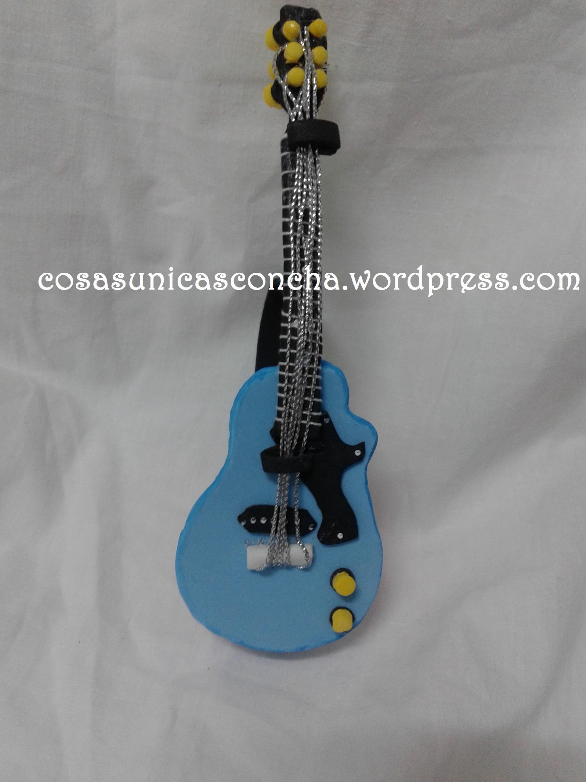 Guitarra goma eva daid 237 nmusical noviembre 2015 for Cosas de goma eva