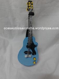 R. 205 Guitarra de goma eva para Alex