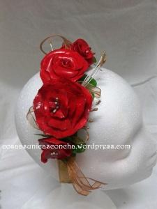 R. Diadema de flores hechas con pasta leigh
