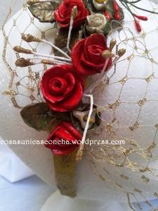 R. 070 Diadema de flores de porcelana D