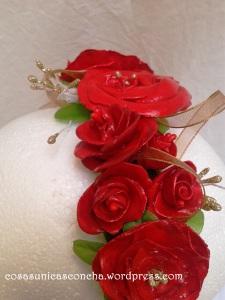 R. 069 Diadema de florers hechas con pasta leigh