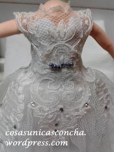 R. 235 Detalle de cerca del vestido de fofucha novia
