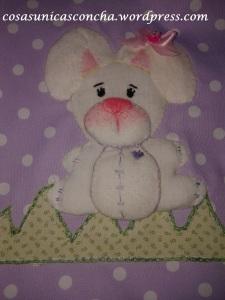 R. 065 Detalle del conejo del saco de dormir