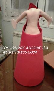 R. 240 Formando el vestido de la fofucha Miriam