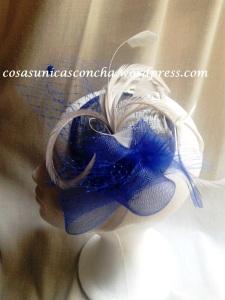 R. 072 Tocado azul y base plata
