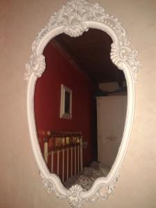 Este espejo era dorado, pero con una limpieza y unas manitas de pintura, ¡¡¡¡ tachinnnnn!!!!!