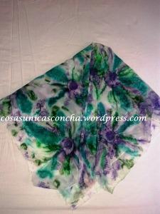 Pañuelo de seda pintado a mano