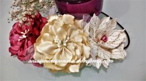 Diadema de flores de raso y guipur