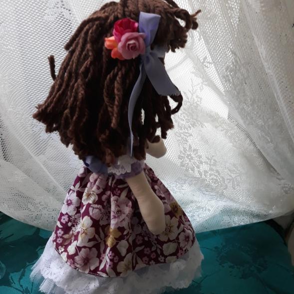Muñeca de trapo con media melena