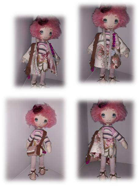 Muñeca de pelo rosa.