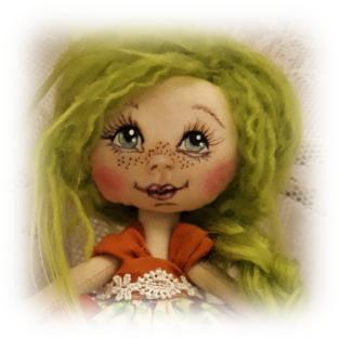 Cara de muñeca de trapo pintada a mano